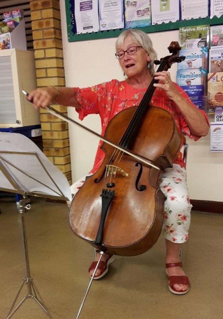 hattie-bennett-and-her-cello-e1564804595116.jpg